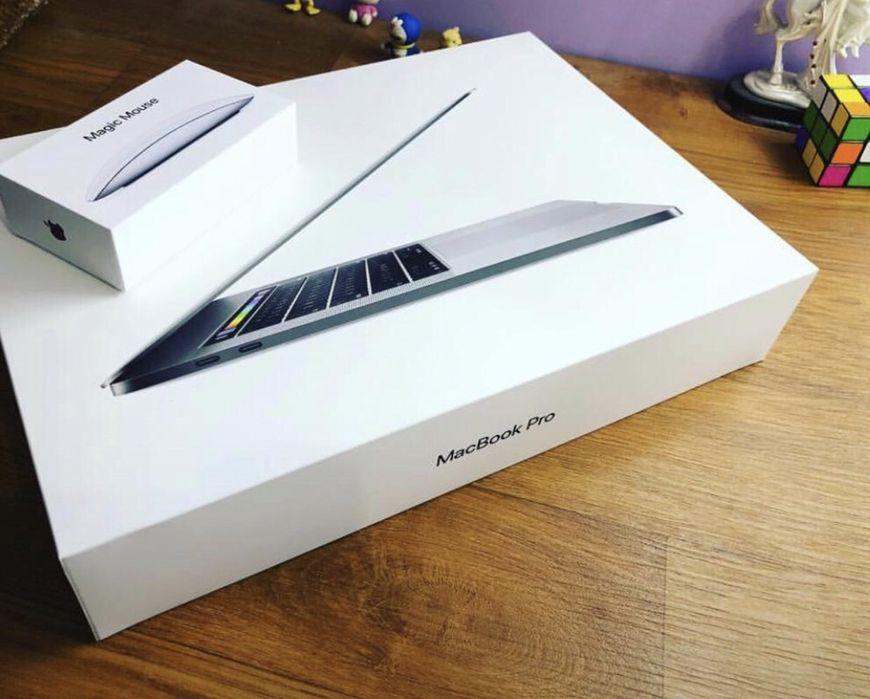 "Macbook Pro 15"" (2018 Model) with Touchbar i7 2.9 (Kaby Lake) 16gb 256"