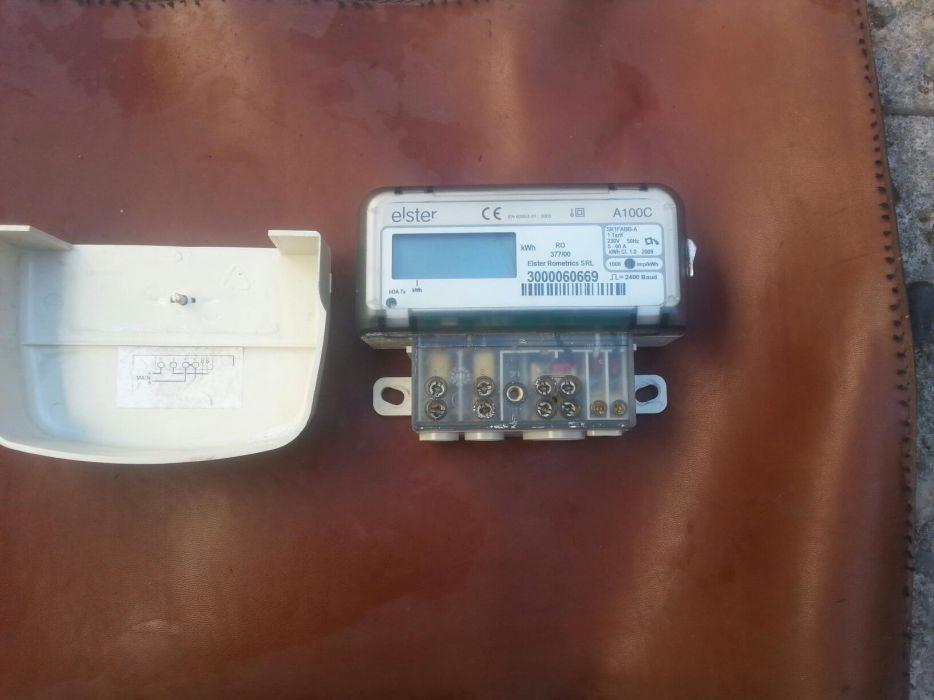 Contor electronic pentru curent electric