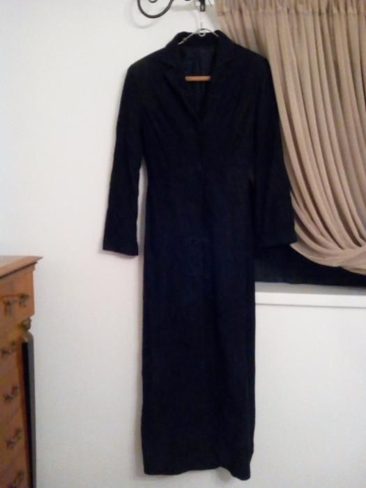 vand haina noua din piele intoarsa neagra