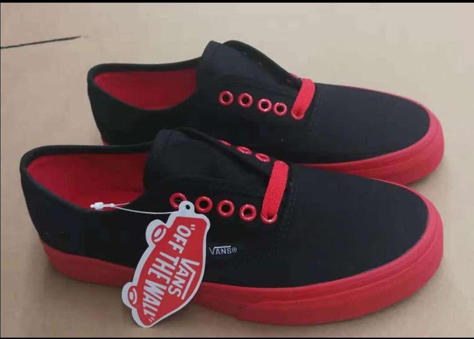 vans classic black red