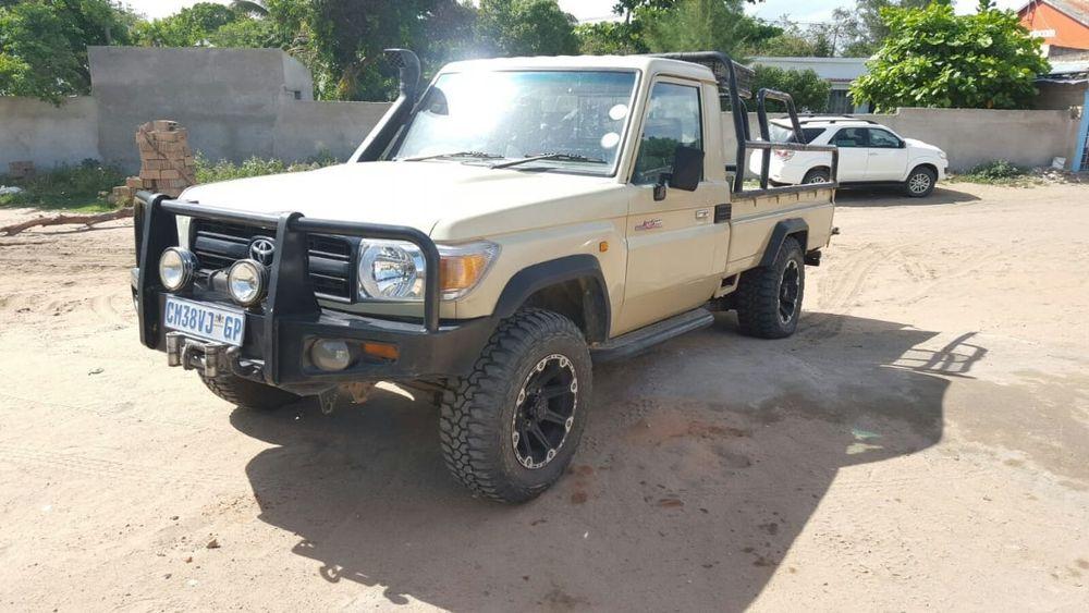 Vendo Toyota Land Cruiser