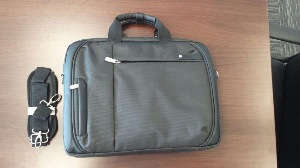 Vand Geanta Laptop Premium Quality 16Inch