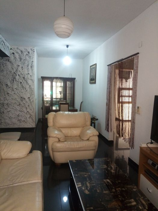Arrenda Se Apartamento T2 4 Andar Maianga Rua 28 Ja Com Mobilia