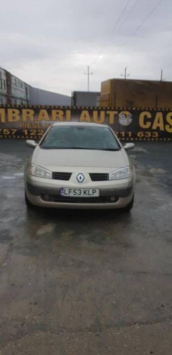 Dezmembrez Renault Megane Cabrio an 2004 motor 1,6i 16v
