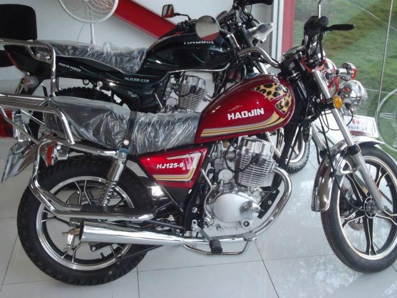 Moto Hadjin em promoção