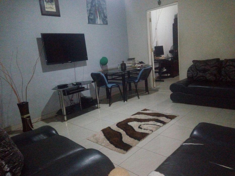 """ALUGA-SE Casa Tipo """"2"""" com dependência, no Chiango"""