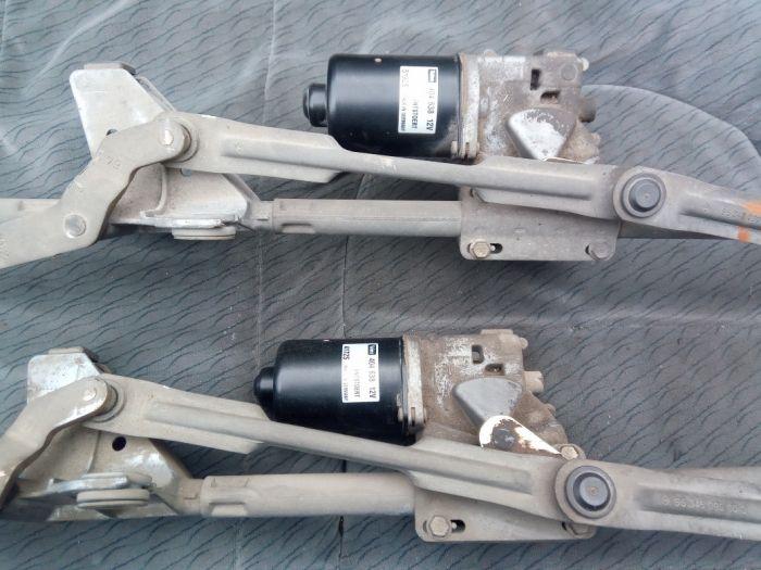 Моторче предни чистачки за Пежо-307