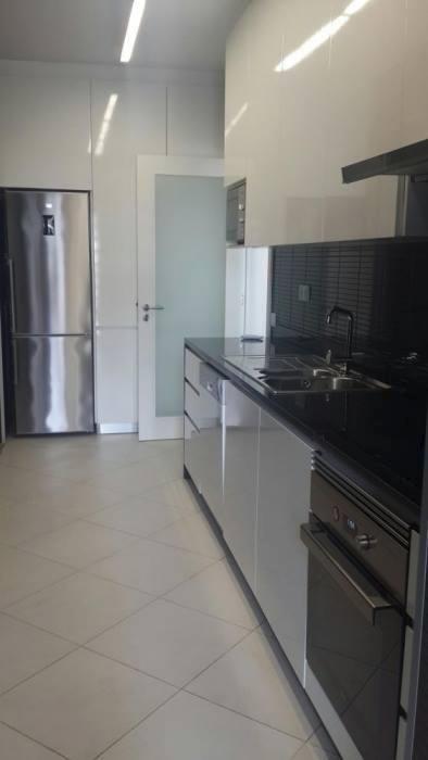 Arrenda se Apartamento de Luxo t2 no 1andar num condomínio fechado com
