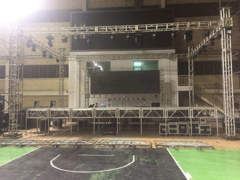 Painel led gigante, ecrã led gigante, tela led, son, som, Palco, Luzes