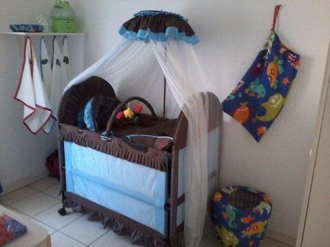 Berço multifuncional para bebé
