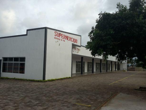 SUPERMERCADO Lojas com 58m2 arrenda-se.