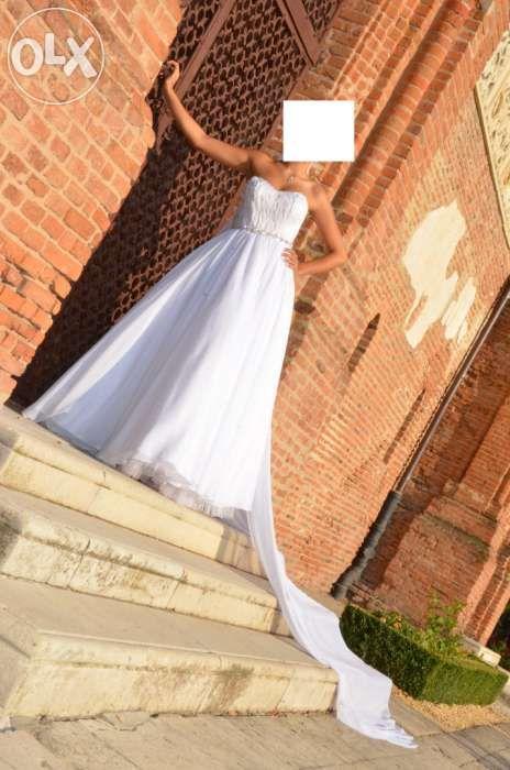 Rochie de mireasa-corset din pene albe de porumbel