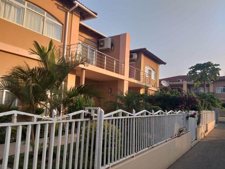 Arrenda-se Excelente Moradia T4 no Triunfo(Condomínio Triunfo) Maputo - imagem 5