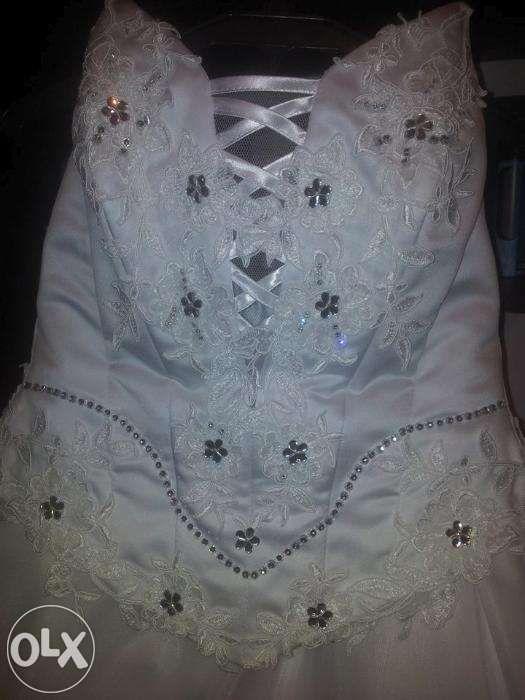 Rochie de mireasa marime mare