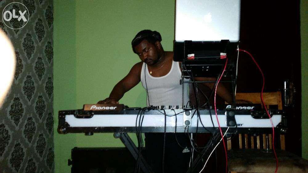 DJ e toco em todo tipo de eventos