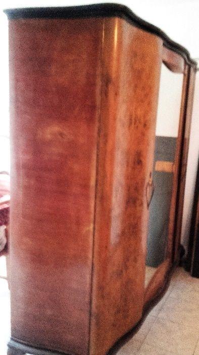 vind dulap din lemn masiv cu furnir de radacina de nuc