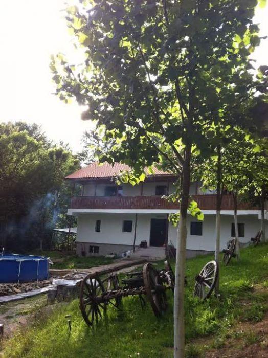 Schimb sau vând Casa de vacanta(Pensiune)Munții Retezat