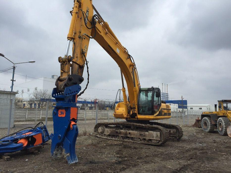 Inchiriez excavator cu foarfeca demolari