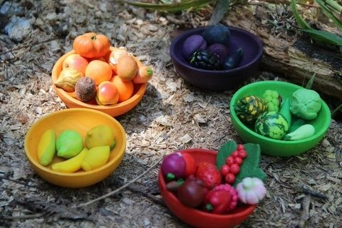 Из полимерной глины наборы овощей, фруктов и ягод