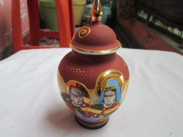 MARUKO японска порцеланова ръчно рисувана захарница.