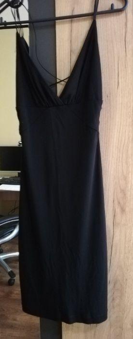 Черна дамска рокля на Mango