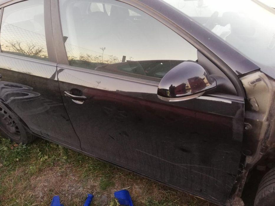 Usa fata si spate staga si dreapta volkswagen jeta 2006