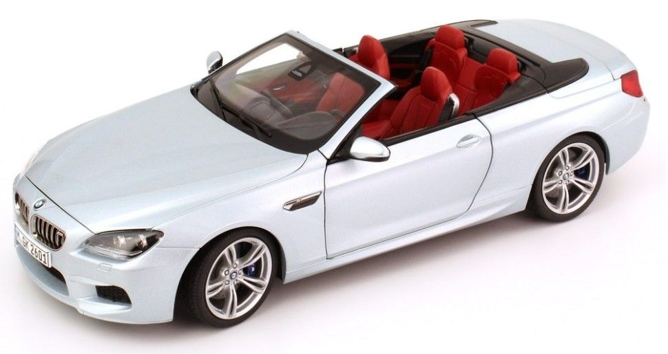 Macheta auto BMW M6 Cabrio (2012) 1:18 Paragon