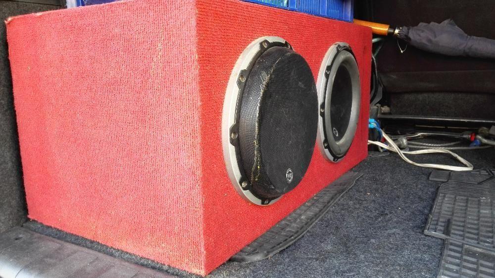 Vand subwoofer auto JL Audio+Statie JL Audio(Se vand si separat)