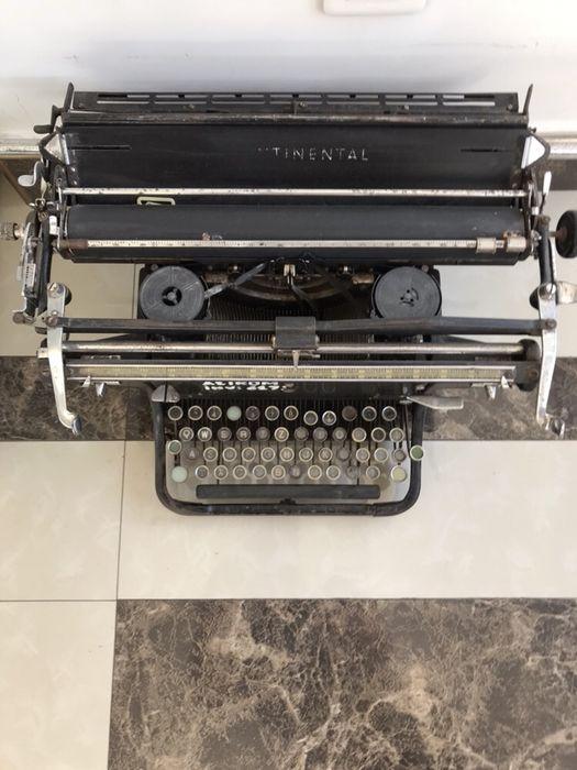 Masina de scris Continental interbelica