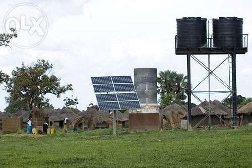 A SOLUCAO PARA ABASTECIMENTO de Agua e iluminacao com energia solar