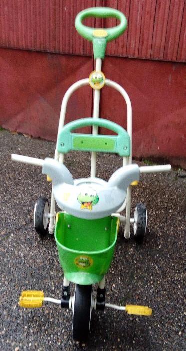 Tricicleta cu impingator