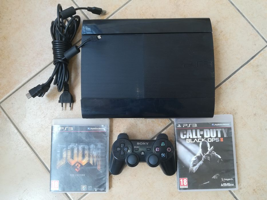 Ps3 super slim (20gb +3 jogos) Playstation 3