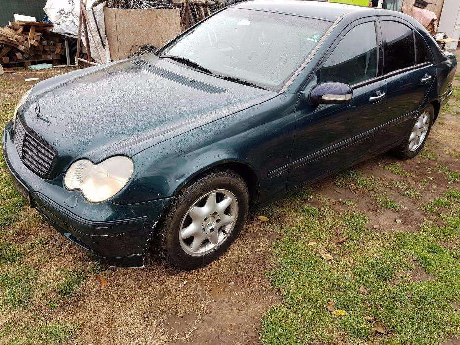 Dezmembrez Mercedes W203 C220cdi cod611 An.2003