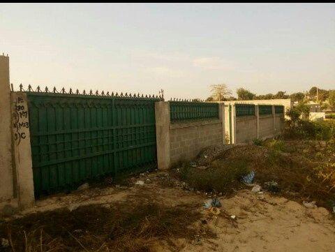 tereno 15por30 com muro matedene