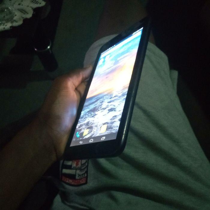 Celular Tablet em bom estado apenas 1600 Cidade de Matola - imagem 3