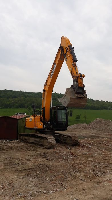 inchiriere excavator, excavator pe senile, sapaturi, excavari