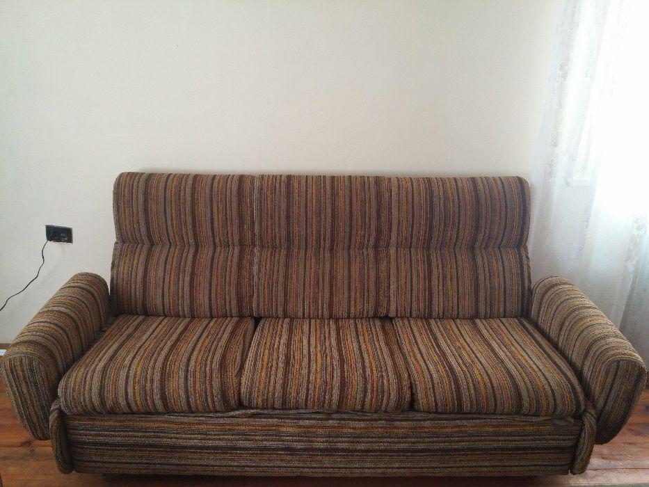 Употребяван разтегателен диван и фотьойли
