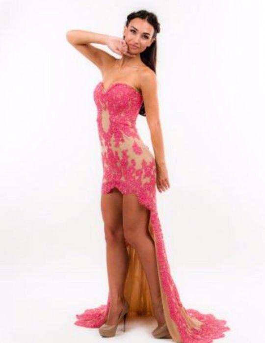 Девушка модель для одежды алматы базовая девушка модель социально медицинской работы это