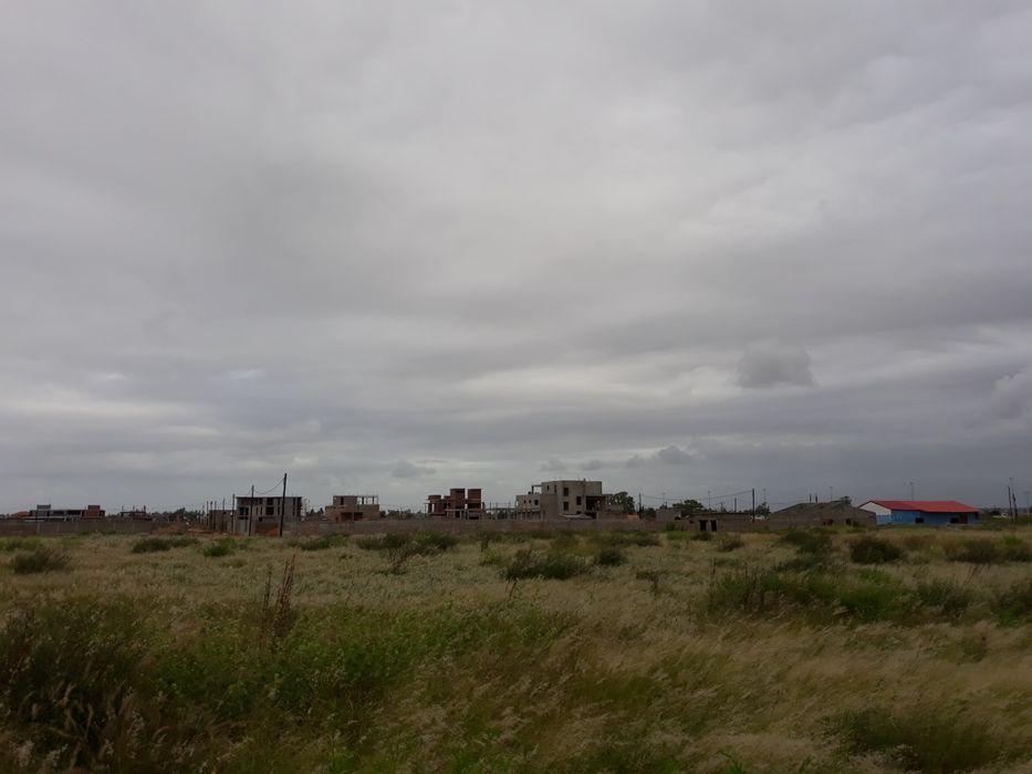 Terrenos no Chiango / Costa do sol a Berma da Estrada com D.U.A.T Maputo - imagem 2