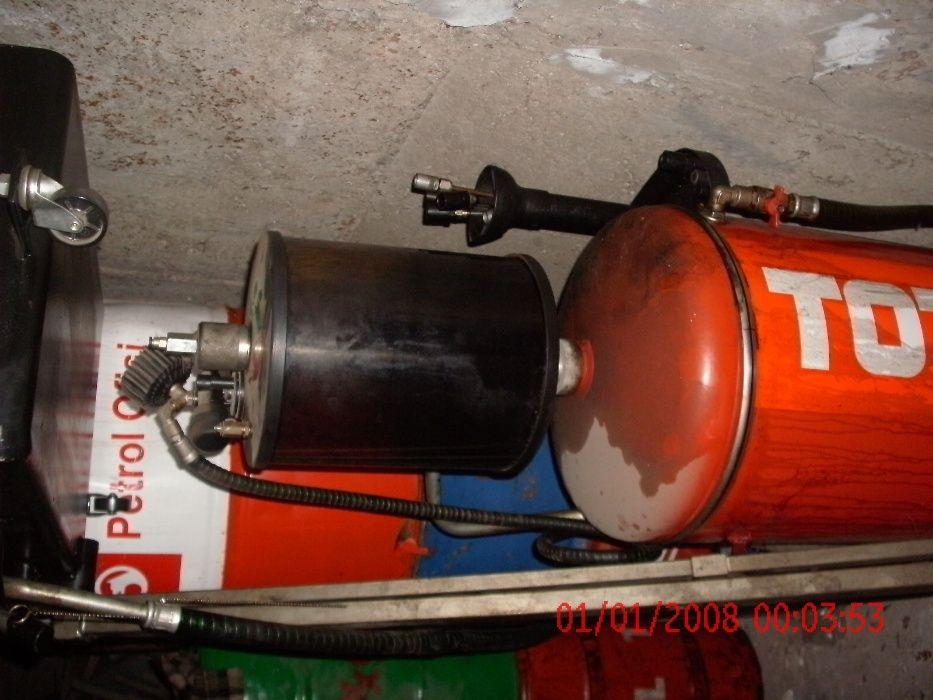 вакуумна машина за смяна на масла