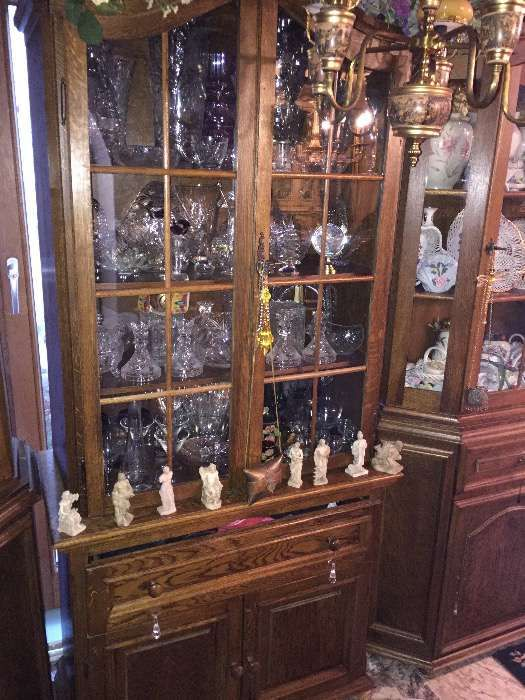 Deosebit set vitrine si comode,stejar masiv,sculptura manuala