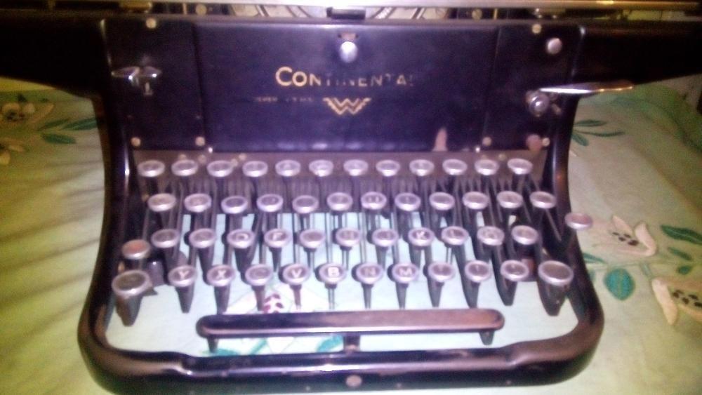 Masina de scris continental pe viata.