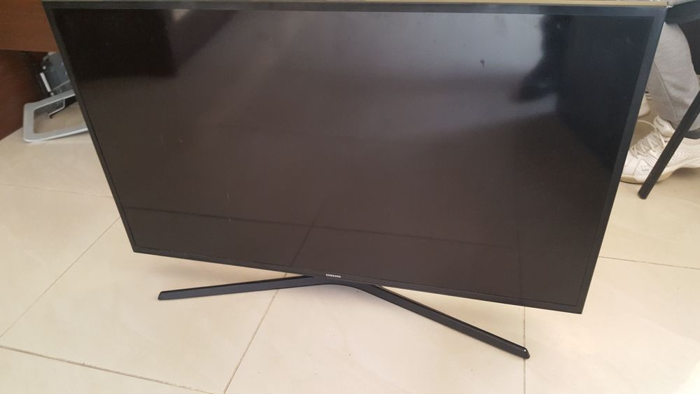 Samsung 40' смарт - ue40ku6079u - за части