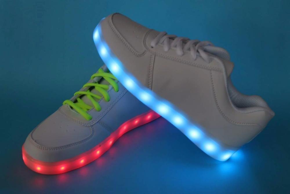 Adidasi albi unisex cu Leduri Led 7 culori 4 moduri flash