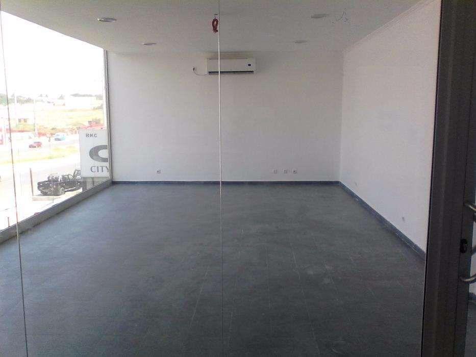 Loja de 37 M2 - 2° piso - Próximo ao Xyami Shopping Nova Vida