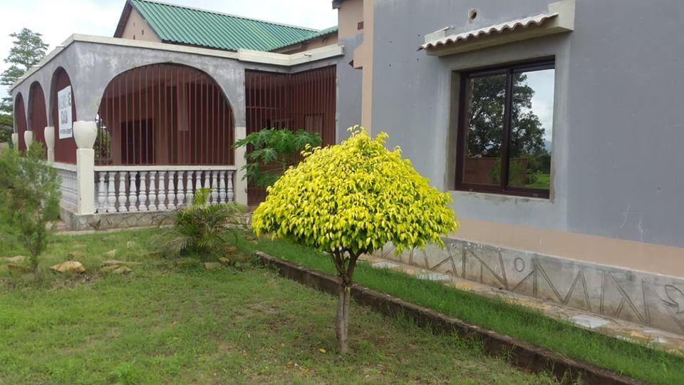 Vende-se Moradia espaçosa no bairro Chingodzi, na província de Tete