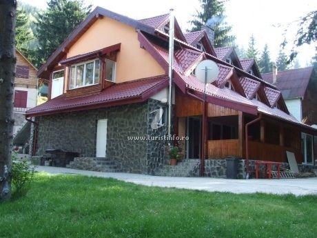 Vanzare  casa  5 camere Hunedoara, Bradatel  - 130000 EURO