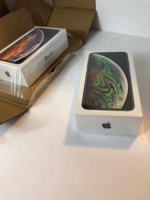 IPhone Xs max 64Gb: Selado novo na caixa e com todos acessórios.