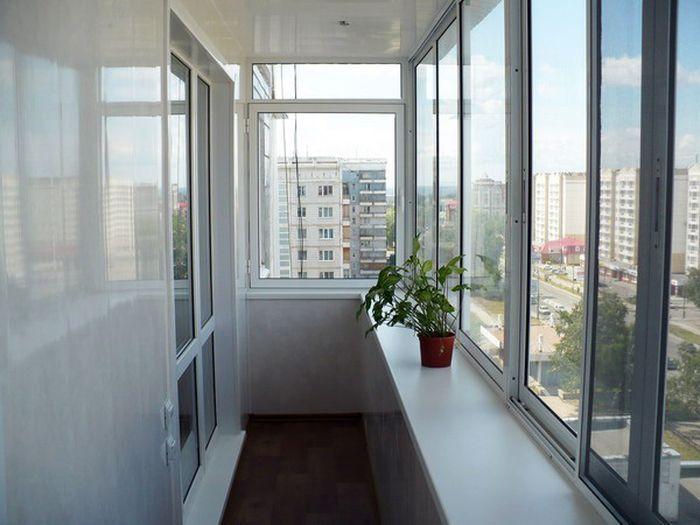 Установка витражей и пластиковых окон. Остекление балконов