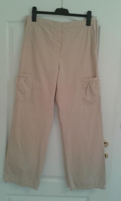 Pantaloni bej, femei insarcinate Iana M